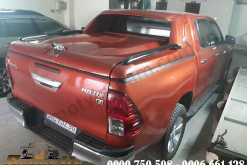 Nắp Thùng Thấp Có Lưỡi Hái Toyota Hilux